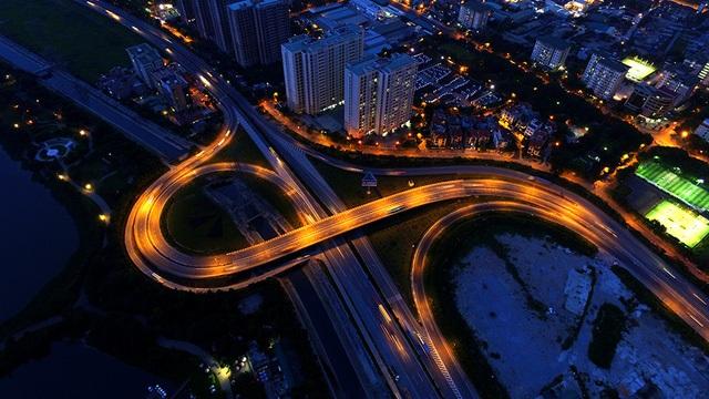 Cho thời điểm hiện tại, điểm nút Pháp Vân - Cầu Giẽ nắm giữ kỷ lục về quy mô đối với một giao lộ ở Hà Nội. Trong ảnh là một trong hai hệ thống cầu vượt - đường dẫn của giao lộ này.