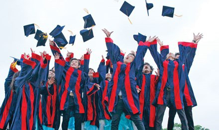 Quy trình đào tạo tiến sĩ ở Việt Nam đang khiến dư luận nghi ngại và đặt câu hỏi, phải chăng học tiến sĩ là... dễ nhất? (Ảnh: Hồng Vĩnh)