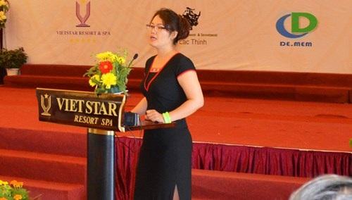 TS Tuyết Nhung trình bày nghiên cứu về bảo tồn văn hóa dân tộc.