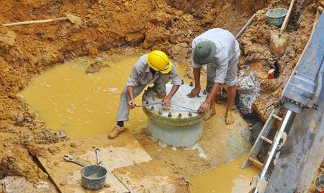 Khắc phục sự cố bể đường ống.