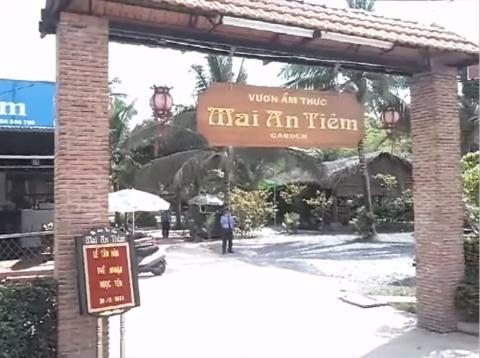 Vườn ẩm thực Mai An Tiêm bị phạt 6 triệu đồng vì bán đuông dừa.