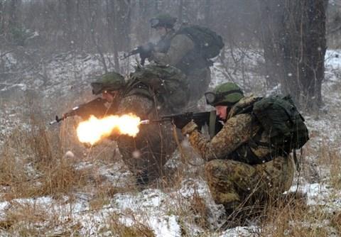 Binh sĩ Nga thành siêu nhân với bộ trang phục Ratnik-3 - 1
