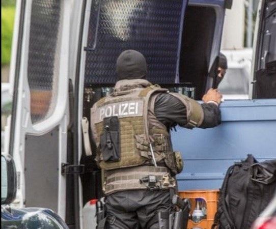 Cảnh sát đặc nhiệm đã có mặt tại hiện trường (Nguồn: Twitter)