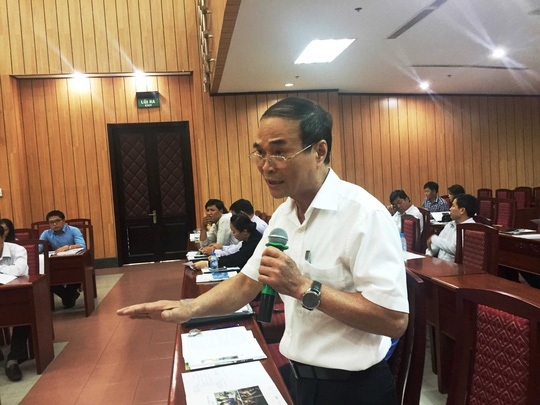 TS Lê Hồng Huyên - Vụ trưởng Vụ Xã hội, Ban Kinh tế trung ương - phát biểu tại hội thảo