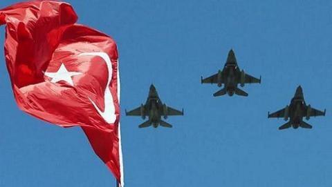 Quân đội Thổ Nhĩ Kỳ đảo chính thất bại do lộ thông tin trước giờ G