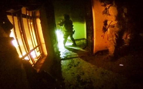 Một cuộc đột kích chung của lính Mỹ và Iraq.