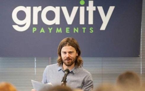 Giám đốc điều hành (CEO) Dan Price của Công ty thẻ tín dụng Gravity Payments