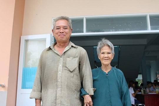 Người dân xã Nhị Bình, huyện Hóc Môn, TP HCM đến Bệnh viện quận Thủ Đức khám bệnh Ảnh: XUÂN THU