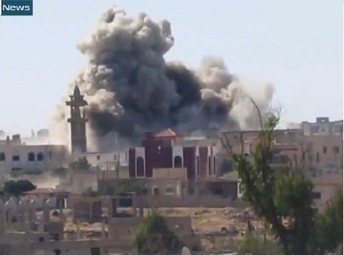 Không quân Syria không kích trúng vị trí của IS ở Hama