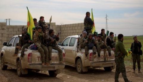 Các tay súng người Kurd, thuộc lực lượng Dân chủ Syria  do Mỹ hậu thuẫn.
