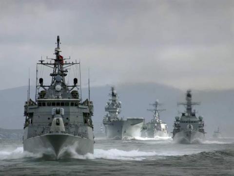 Sắp va chạm tàu chiến liên tục Nga-NATO tại Biển Đen - 1