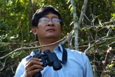 Phùng Mỹ Trung hiện công tác tại Cục Hải quan Đồng Nai, nhưng niềm đam mê của anh lại là nghiên cứu sinh vật rừng.