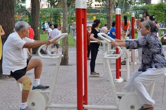 Tập thể dục có thể tiêu thụ những calorie dư thừa do tác dụng phụ của một số loại thuốc (Ảnh: Tấn Thạnh)