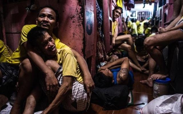 Tại nhà tù Quezon xây dựng cách đây 60 năm ở thủ đô Manila, số phạm nhân ở đây đã lên tới 3.800 người, nghĩa là gấp gần 5 lần so với thiết kế ban đầu là chỉ dành cho 800 phạm nhân. (Ảnh: AFP)