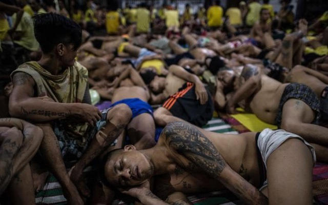 Bộ trưởng Tư pháp Philippines Vitaliano Aguirre cho AFP hay, chính phủ nước này đang chuẩn bị lập thêm các nhà tù mới khi chiến dịch trấn áp tội phạm ma túy chưa có dấu hiệu ngừng lại. (Ảnh: Getty)
