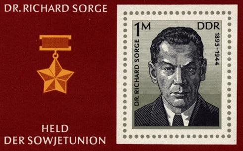 Con tem bưu chính của Đông Đức (Cộng hòa Dân chủ Đức) tưởng niệm Tiến sĩ Richard Sorge - sĩ quan quân báo của Liên Xô. Ảnh: Alchetron.