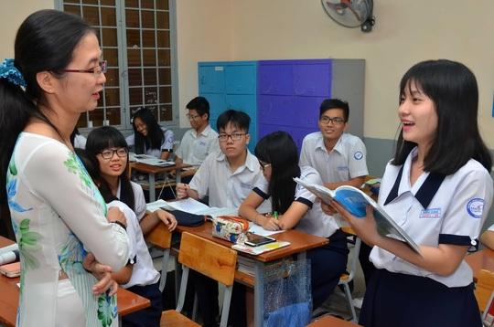Thí sinh TP HCM ôn thi môn ngoại ngữ cho kỳ thi THPT quốc gia. (Ảnh: Tấn Thạnh)
