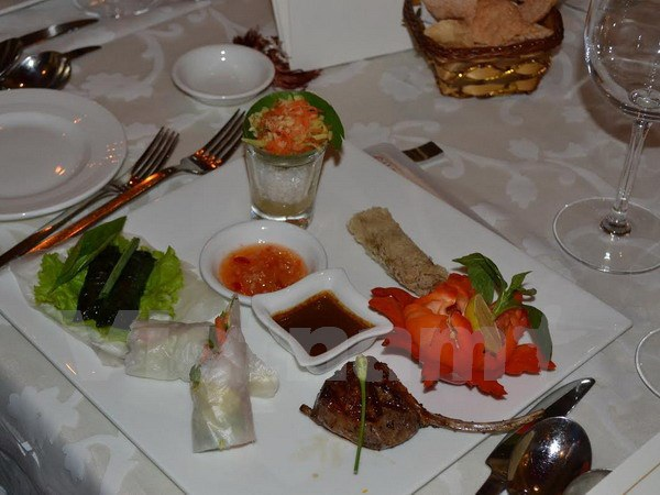 Món ăn Việt được giới thiệu tại buổi lễ. (Ảnh: Huy Bình/Vietnam+)