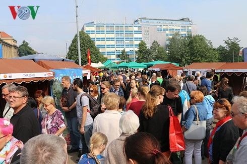 Khoảng 10.000 người tham dự Liên hoan năm nay