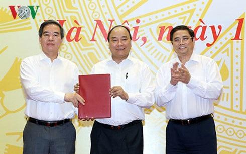 Thủ tướng trao quyết định cho tân Trưởng ban Chỉ đạo Tây Bắc - 1