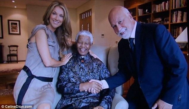 Một bức ảnh kỷ niệm của vợ chồng Celine và Rene và ngài Nelson Mandela.