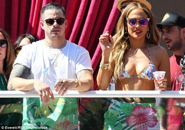 Casper cũng rất yêu quý hai con riêng của Jennifer Lopez