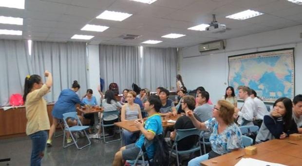 Môi trường học tập quốc tế năng động cho sinh viên ICTU.