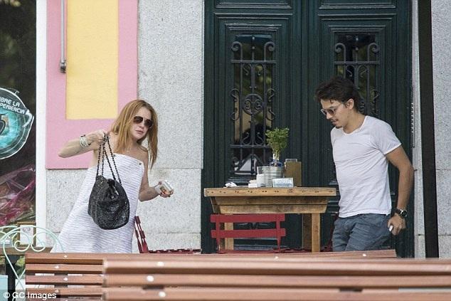 Tính tới thời điểm hiện tại, hai người đã ở bên nhau được 7 tháng. Bạn bè chung của hai người cho hay, Egor thực sự rất yêu Lindsay và muốn gắn bó dài lâu với cô.