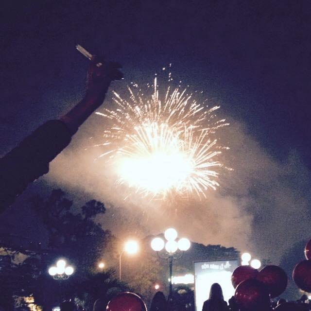 """Pháo """"nở hoa"""" trên bầu trời chào năm mới Bính Thân - 39"""