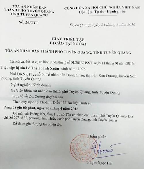Thêm một lần hoãn phiên toà xét xử các bị cáo liên tục kêu oan tại Tuyên Quang.