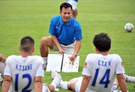 HLV Lư Đình Tuấn từ chối lên tuyển thời điểm này