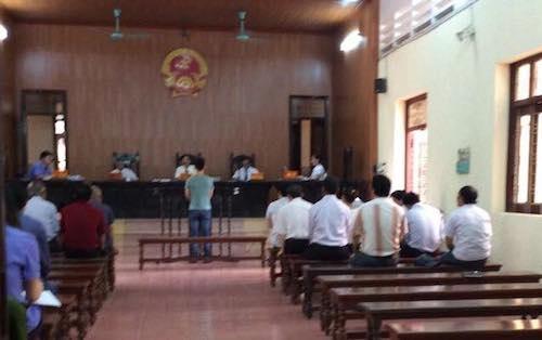 TAND TP Hải Dương đang mở phiến toà xét xử bị cáo Tạ Quang Hồng sau nhiều lần hoãn toà, trả hồ sơ điều tra bổ sung.