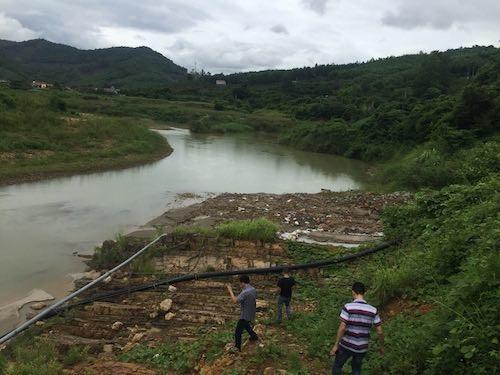 Bắc Giang: Thản nhiên gây tội ác, giết chết một dòng sông! - 4
