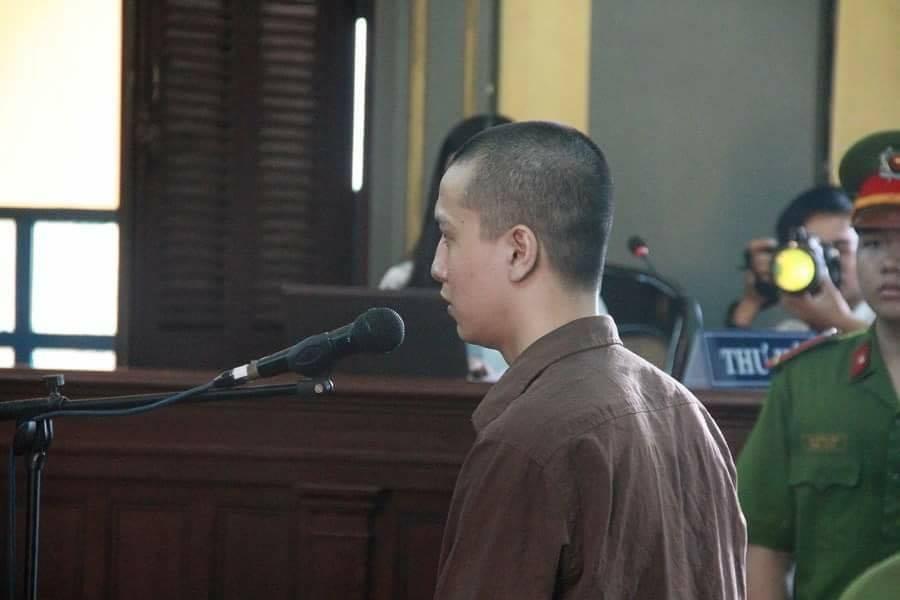 Nguyễn Hải Dương trả lời các câu hỏi của luật sư.