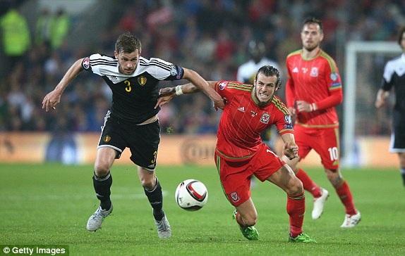 Wales (đỏ) thắng 1, hòa 1 khi gặp Bỉ ở vòng loại Euro 2016