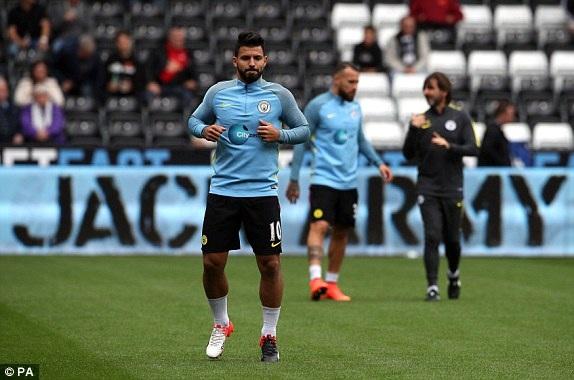 Aguero trở lại sau bốn trận treo giò