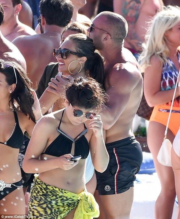 """Megan từng đính hôn với người đồng nghiệp Jordan Davies khi hai người cùng tham gia show truyền hình thực tế """"Ex on the Beach"""" năm 2016 nhưng hai người đã chia tay 4 tháng sau đó."""