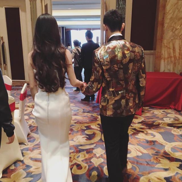 Huỳnh Hiểu Minh và Angelababy cũng muốn đập tan tin đồn rạn nứt hôn nhân âm ỉ suốt thời gian qua.