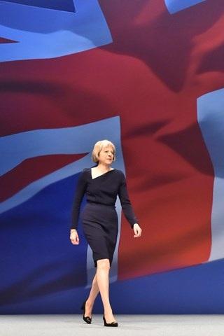 Thời trang đẹp mê mẩn của tân nữ Thủ tướng Anh - 17