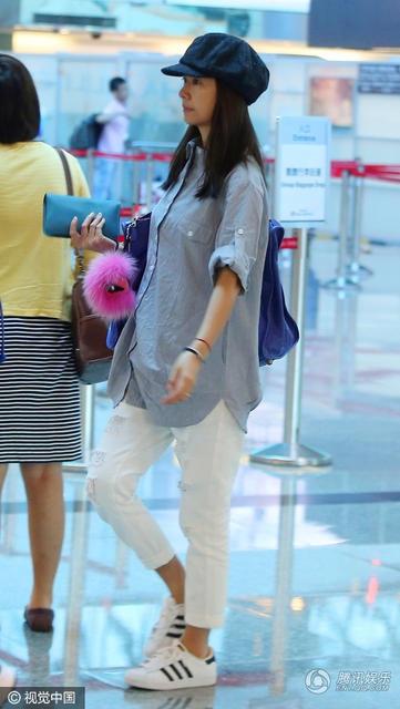 Lâm Tâm Như mang bầu lần đầu ở tuổi 41. Em bé là kết quả tình yêu giữa cô và nam diễn viên kém tuổi Hoắc Kiến Hoa.