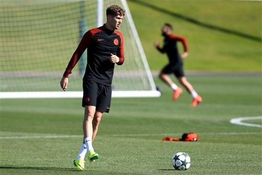 Stones cũng là một tân binh của Man City ở mùa giải năm nay. Anh chuyển tới Man City với giá rất đắt, 50 triệu bảng và nhiều khả năng trung vệ người Anh sẽ đá chính cùng Kompany