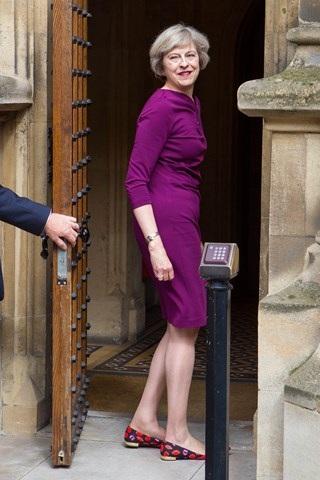 Thời trang đẹp mê mẩn của tân nữ Thủ tướng Anh - 19
