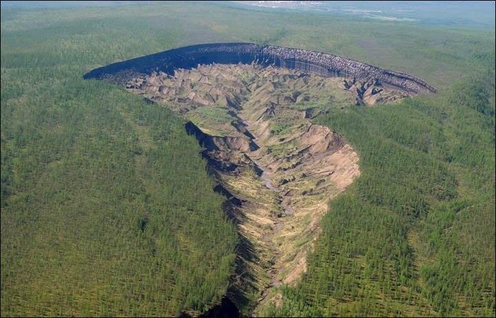 Cổng địa ngục sâu 90m, dài tới 1,6km