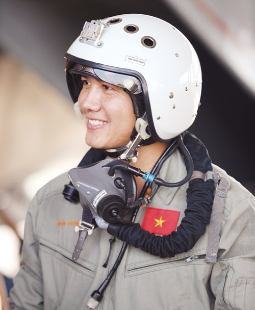 Thượng úy phi công Trần Thanh Luân.