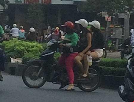 """""""Chợ"""" mại dâm di động lớn nhất Sài Gòn - 2"""