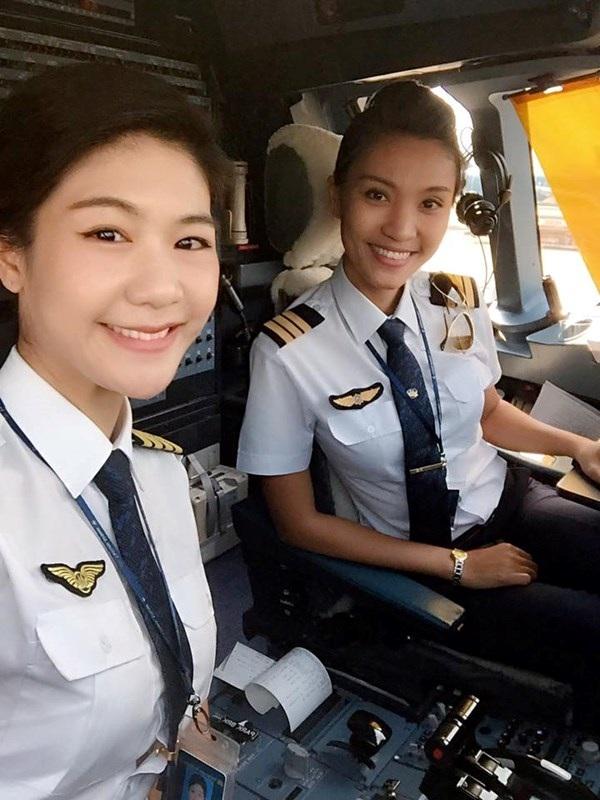 Phi hành đoàn toàn là nữ đầu tiên trong lịch sử hàng không Việt Nam - 2