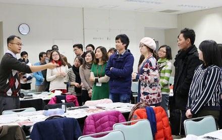 Đoàn thanh niên, sinh viên Việt Nam thăm và giao lưu với giáo viên, sinh viên Đại học Aizu, tỉnh Fukushima.