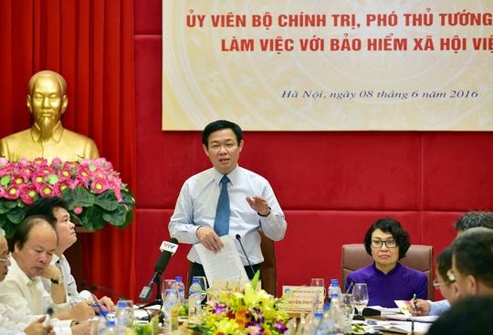 Phó Thủ tướng Vương Đình Huệ tại buổi làm việc với BHXH Việt Nam - Ảnh: Thành Chung