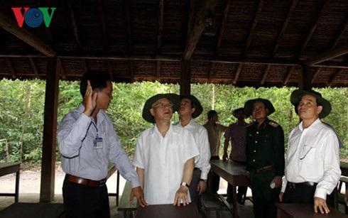 Tổng Bí thư thăm Khu Di tích lịch sử văn hóa quốc gia đặc biệt Căn cứ Trung ương Cục miền Nam