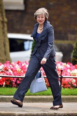 Thời trang đẹp mê mẩn của tân nữ Thủ tướng Anh - 20